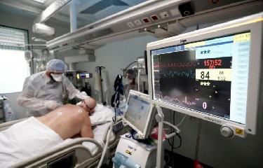 https://www.ragusanews.com//immagini_articoli/23-09-2020/89-nuovi-contagi-in-sicilia-240.jpg