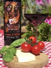 https://www.ragusanews.com//immagini_articoli/23-09-2020/vinietna-un-oro-e-due-argenti-per-i-vini-al-cantara-al-decanter-wine-240.jpg