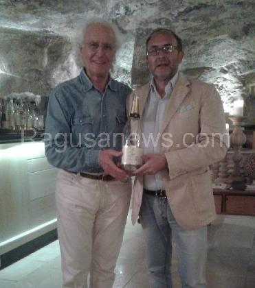 https://www.ragusanews.com//immagini_articoli/23-10-2016/luciano-benetton-alla-locanda-don-serafino-420.jpg