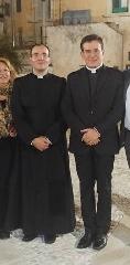 http://www.ragusanews.com//immagini_articoli/23-10-2017/sacerdoti-scicli-240.jpg