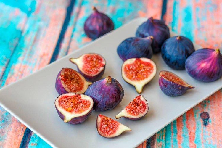 https://www.ragusanews.com//immagini_articoli/23-10-2019/dieta-e-fichi-proprieta-e-benefici-500.jpg