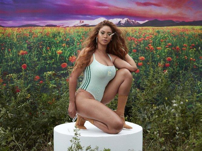 https://www.ragusanews.com//immagini_articoli/23-10-2020/1603468968-adidas-tutti-pazzi-per-la-collab-con-ivy-park-1-500.jpg