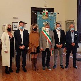 https://www.ragusanews.com//immagini_articoli/23-10-2020/ispica-leontini-nomina-gli-assessori-280.jpg