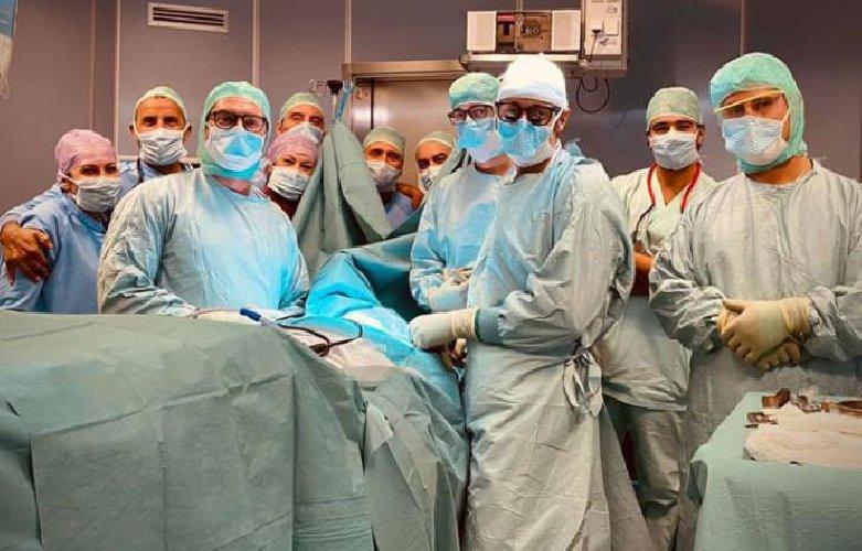 https://www.ragusanews.com//immagini_articoli/23-10-2020/sicilia-paralizzato-alle-gambe-e-alla-braccia-guarisce-con-una-protesi-500.jpg