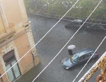 https://www.ragusanews.com//immagini_articoli/23-10-2021/ma-quale-bomba-d-acqua-e-il-nubifragio-della-civilta-e-dei-diritti-280.jpg