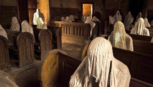 https://www.ragusanews.com//immagini_articoli/23-10-2021/tre-chiese-molti-fantasmi-quando-l-eterno-riposo-e-rimandato-foto-280.jpg