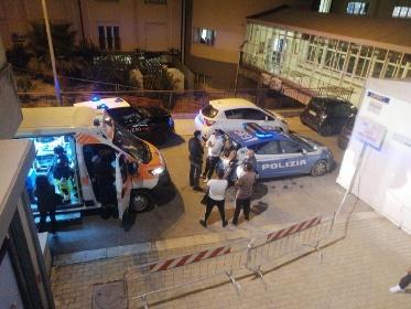 https://www.ragusanews.com//immagini_articoli/23-10-2021/vittoria-rumeni-devastano-pronto-soccorso-e-menano-gli-infermieri-280.jpg