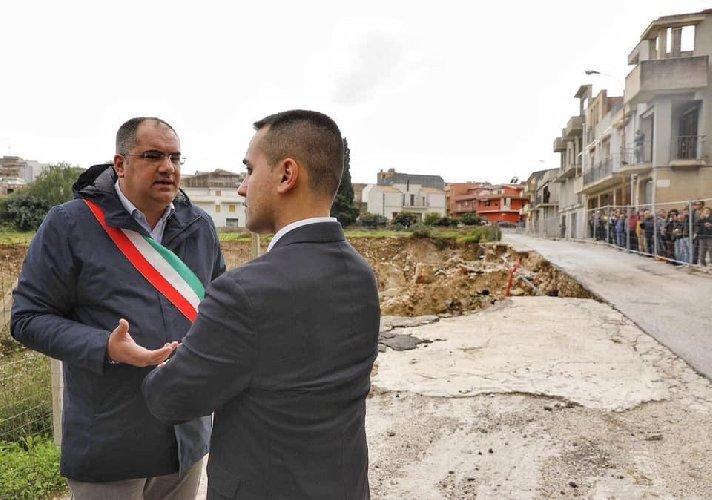 https://www.ragusanews.com//immagini_articoli/23-11-2019/luigi-di-maio-luoghi-disastro-idrogeologico-in-sicilia-500.jpg
