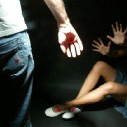 https://www.ragusanews.com//immagini_articoli/23-11-2019/rapina-tentata-violenza-sessuale-arrestati-tunisini-500.jpg