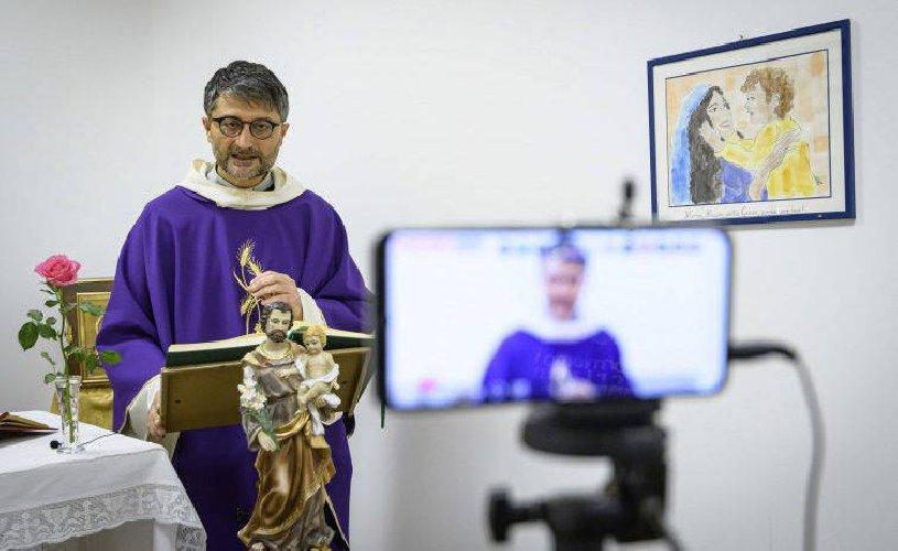 https://www.ragusanews.com//immagini_articoli/23-11-2020/zona-rossa-sospesa-la-celebrazione-dei-sacramenti-a-comiso-e-acate-500.jpg