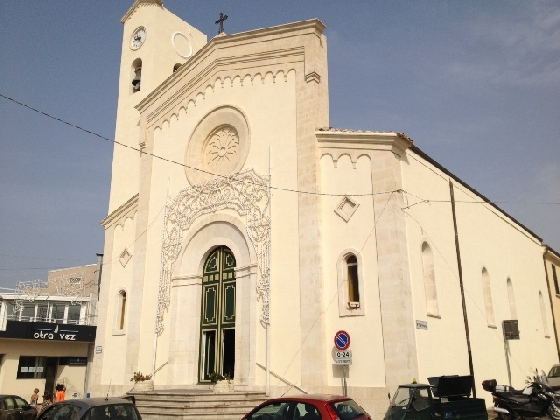 http://www.ragusanews.com//immagini_articoli/23-12-2016/marina-fondi-chiesa-santa-maria-portosalvo-420.jpg