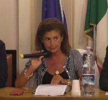 http://www.ragusanews.com//immagini_articoli/23-12-2016/piccitto-assume-assessore-grillino-grammichele-giuliana-raniolo-200.jpg