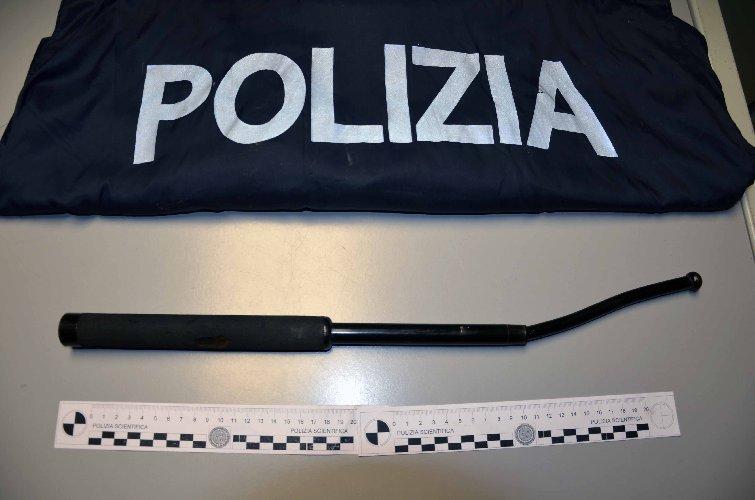 https://www.ragusanews.com//immagini_articoli/24-01-2018/poliziotto-interviene-sedare-rissa-arrestando-persone-500.jpg