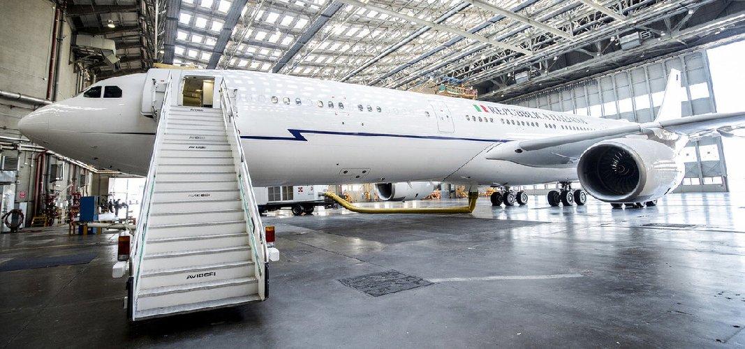 https://www.ragusanews.com//immagini_articoli/24-01-2019/airforce-renzi-consulente-toninelli-svela-500.jpg