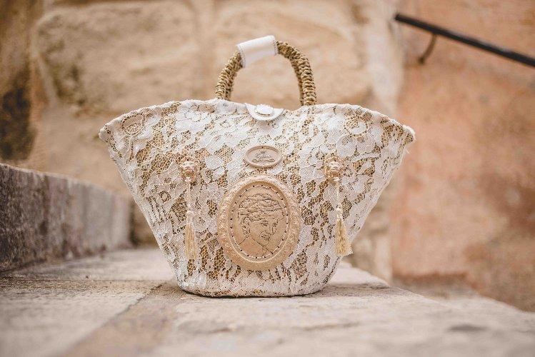 https://www.ragusanews.com//immagini_articoli/24-01-2020/1579863313-sicilia-in-principio-fu-la-coffa-1-500.jpg
