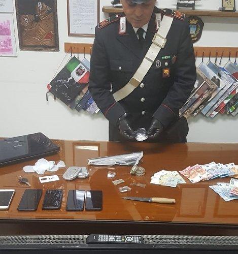 https://www.ragusanews.com//immagini_articoli/24-01-2020/droghe-e-refurtiva-arrestati-due-nordafricani-500.jpg