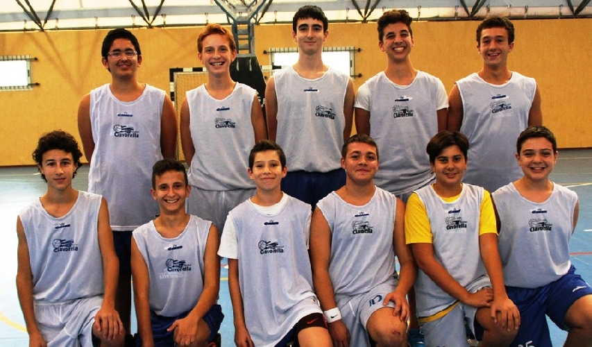 http://www.ragusanews.com//immagini_articoli/24-02-2015/ciavorella-vittoriosi-a-ragusa-sul--basket-club--b-500.jpg