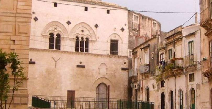 https://www.ragusanews.com//immagini_articoli/24-02-2017/comune-siracusa-affitta-immobili-attivita-culturali-turistiche-420.jpg