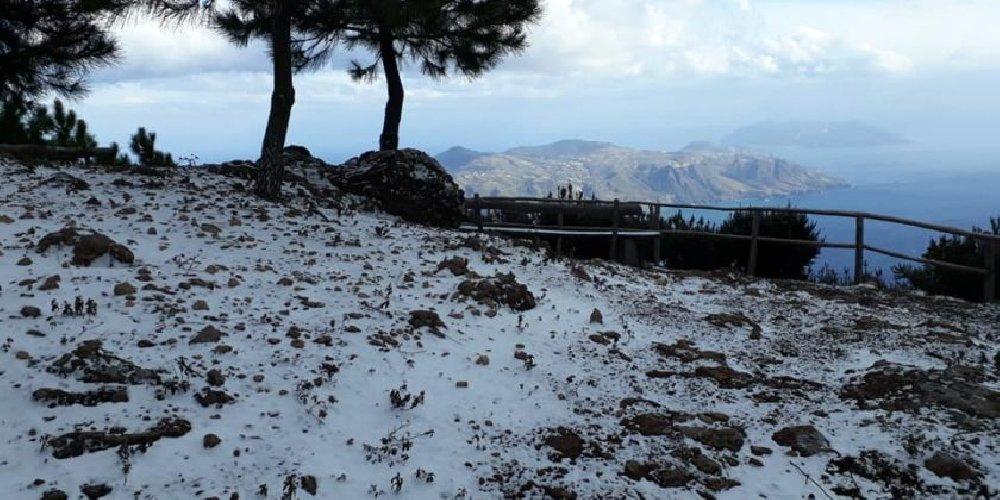 https://www.ragusanews.com//immagini_articoli/24-02-2019/febbraio-spettacolo-neve-salina-foto-500.jpg