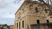 https://www.ragusanews.com//immagini_articoli/24-02-2019/forte-vento-quindicenne-colpito-cornicione-stazione-pozzallo-100.jpg
