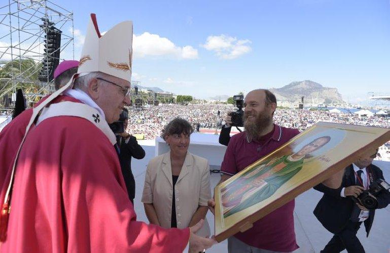 https://www.ragusanews.com//immagini_articoli/24-02-2021/papa-francesco-forse-torna-in-sicilia-il-9-maggio-ad-agrigento-500.jpg