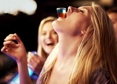 https://www.ragusanews.com//immagini_articoli/24-02-2021/ragazza-ubriaca-disturba-clienti-pizzeria-inseguita-si-denuda-280.jpg