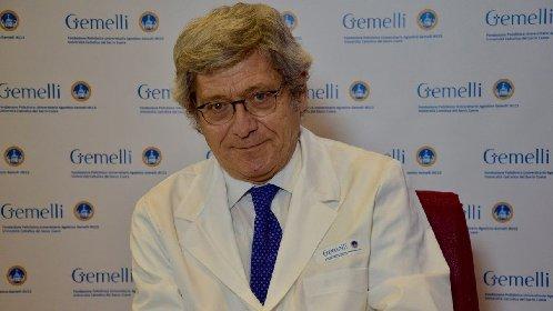 https://www.ragusanews.com//immagini_articoli/24-02-2021/roberto-bernabei-nuovo-medico-personale-di-papa-francesco-280.jpg