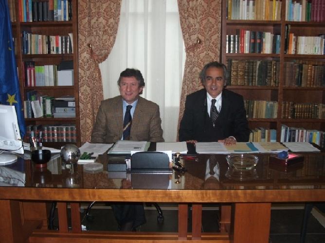http://www.ragusanews.com//immagini_articoli/24-03-2010/leontini-e-ragusa-si-smantella-la-sanita-provinciale-500.jpg