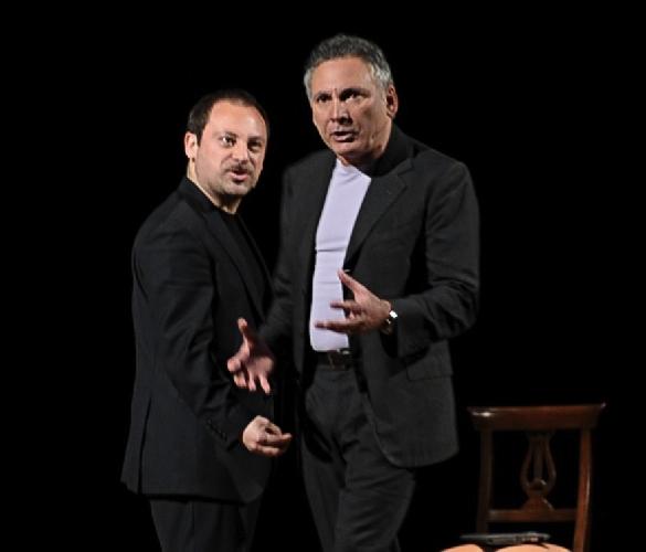 http://www.ragusanews.com//immagini_articoli/24-03-2013/piace-paolantoni-a-comiso-500.jpg