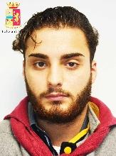 http://www.ragusanews.com//immagini_articoli/24-03-2017/arrestato-rapinatore-vittoria-video-220.jpg