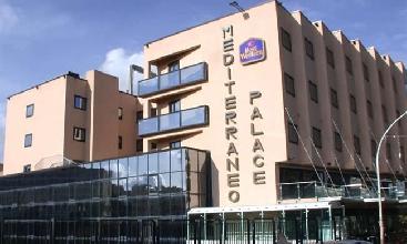 http://www.ragusanews.com//immagini_articoli/24-03-2017/bancarotta-hotel-mediterraneo-indagati-220.jpg