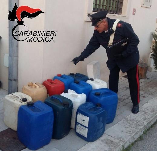 http://www.ragusanews.com//immagini_articoli/24-03-2017/rubano-litri-gasolio-cantiere-siracusa-gela-arrestati-romeni-500.jpg