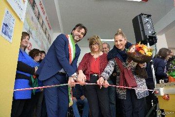 https://www.ragusanews.com//immagini_articoli/24-03-2018/vittoria-inaugurata-palestra-plesso-rosario-240.jpg