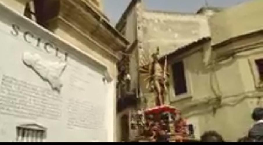 https://www.ragusanews.com//immagini_articoli/24-04-2014/pasqua-a-scicli-un-video-di-andrea-peppe-errera-500.jpg