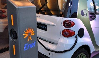 https://www.ragusanews.com//immagini_articoli/24-04-2018/catania-arrivano-colonnine-ricaricare-auto-elettriche-240.jpg