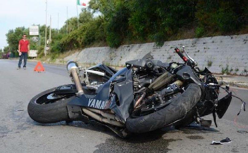 Sangue sulle strade della Sicilia, incidenti a Messina e Ragusa: due morti
