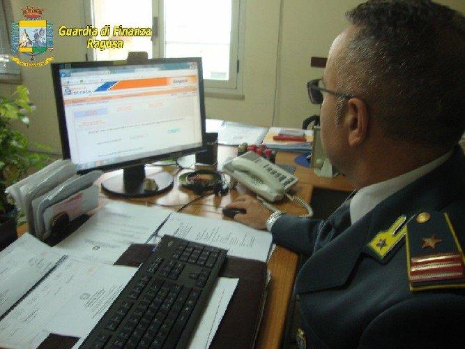 https://www.ragusanews.com//immagini_articoli/24-04-2019/cellulari-e-truffe-iva-evasione-per-300-mila-euro-a-comiso-500.jpg