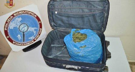 https://www.ragusanews.com//immagini_articoli/24-04-2019/il-vittoriese-che-si-imbarca-con-la-droga-a-messina-240.jpg