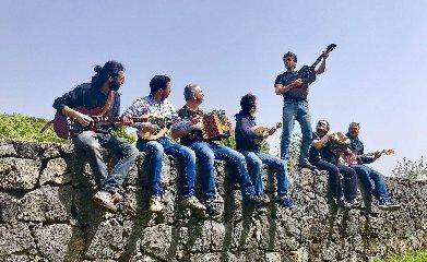 https://www.ragusanews.com//immagini_articoli/24-04-2019/musica-nasce-sicily-folk-orchestra-240.jpg