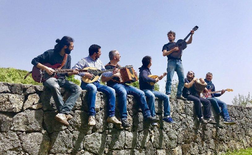 https://www.ragusanews.com//immagini_articoli/24-04-2019/musica-nasce-sicily-folk-orchestra-500.jpg