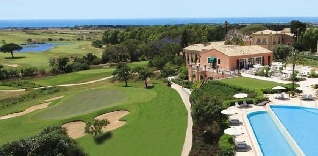https://www.ragusanews.com//immagini_articoli/24-04-2020/venduto-il-donnafugata-resort-muore-il-golf-a-ragusa-500.jpg
