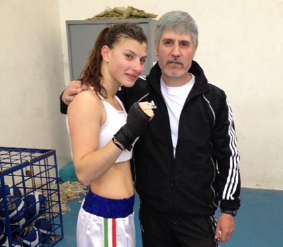 https://www.ragusanews.com//immagini_articoli/24-05-2012/kick-boxing-a-ragusa-le-donne-fanno-a-pugni-500.jpg