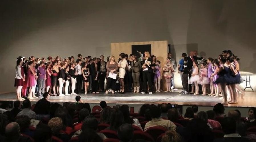 http://www.ragusanews.com//immagini_articoli/24-05-2014/danza-ritorna-a-ragusa-il-sicilia-talent-festival-500.jpg