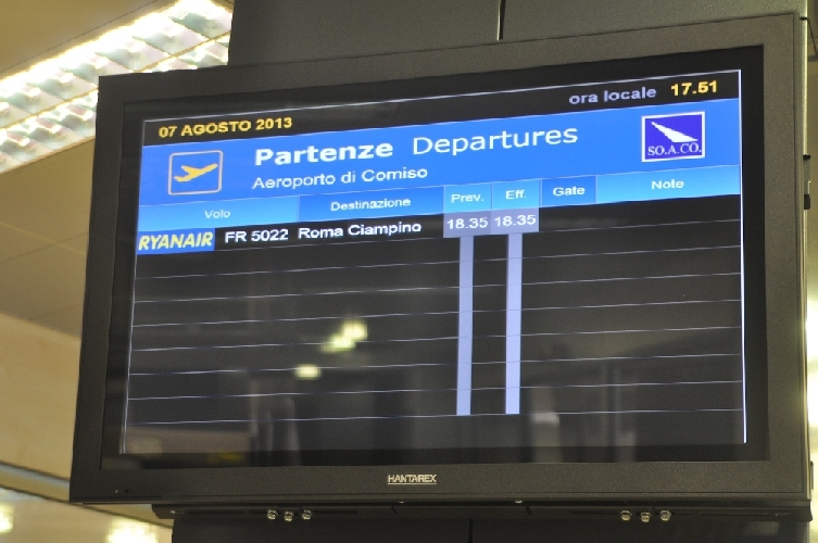 http://www.ragusanews.com//immagini_articoli/24-05-2014/sono-150-mila-i-passeggeri-transitati-da-comiso-sinora-500.jpg