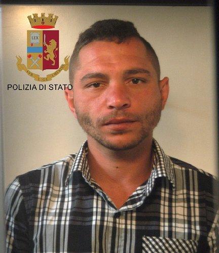 https://www.ragusanews.com//immagini_articoli/24-05-2019/arrestato-l-aggressore-infermiere-di-comiso-500.jpg
