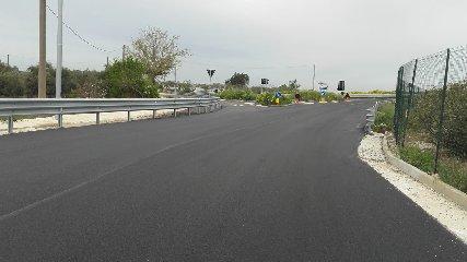 https://www.ragusanews.com//immagini_articoli/24-05-2019/completati-i-lavori-di-arteria-che-conduce-all-aeroporto-240.jpg