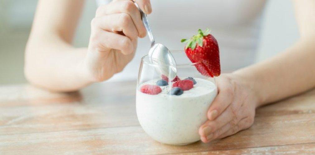 https://www.ragusanews.com//immagini_articoli/24-05-2019/dieta-yogurt-per-dimagrire-in-fretta-ecco-fare-500.jpg