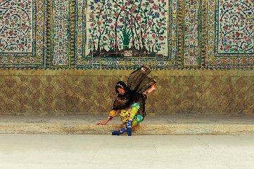 https://www.ragusanews.com//immagini_articoli/24-05-2019/donna-iraniana-racconta-donna-iraniana-a-modica-240.jpg