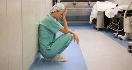 https://www.ragusanews.com//immagini_articoli/24-05-2019/infermiere-menato-l-assessore-razza-240.jpg