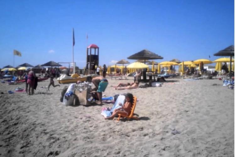 https://www.ragusanews.com//immagini_articoli/24-05-2020/altro-che-prenotazione-a-catania-assalto-alle-spiagge-500.jpg